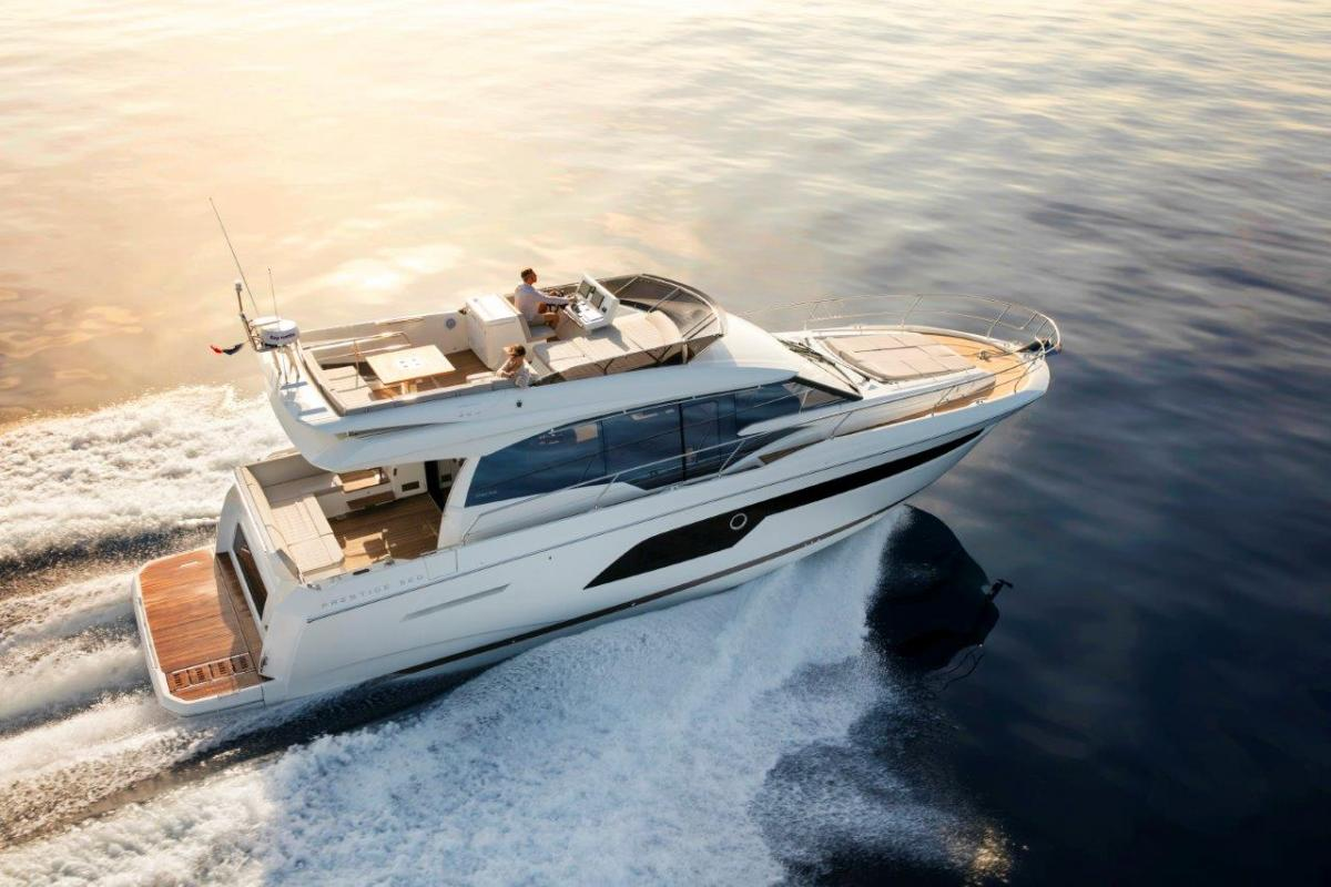 Commodore Yachting Prestige 520 Fly