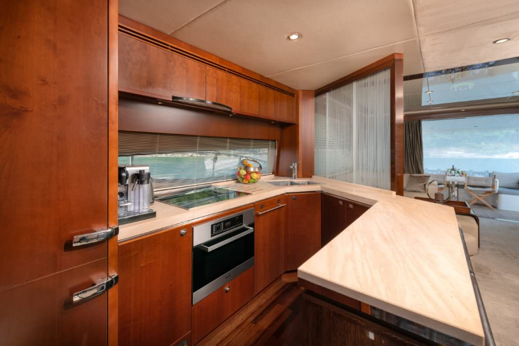 Commodore Yachting Princess 72